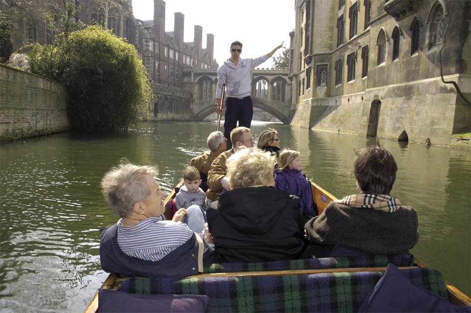 Chauffeur-with-boat-5-